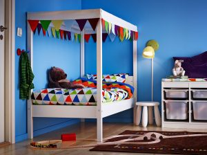 Blue walls in kids bedroom - colour ideas for painting kids bedrooms