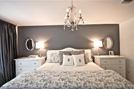 Decorating ideas for the master bedroom - grey walls