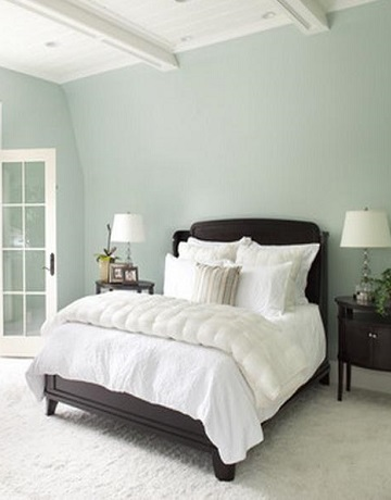 shades of blue paint - pale blue walls in master bedroom
